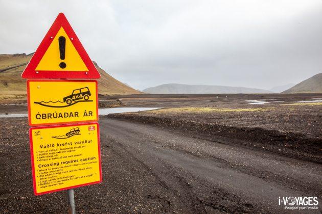 Panneau Islande : Traversée d'un gué