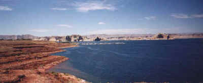 lac powell.jpg (27895 octets)