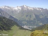 Cauterets vu depuis le sommet du Soum des Aulhères - © P.Barrère