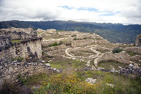 Kuelap, l'un des sites majeurs du pays, perché à plus de 3000 mètres.