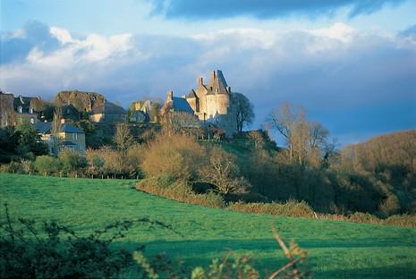Le village fortifié de Ste-Suzanne (53) © D.Morton/CRT Pays de la Loire