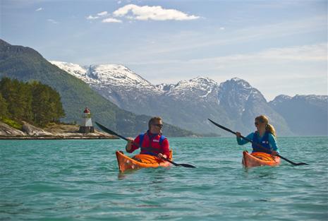 Norvège - Kayak Hardangerfjord - © CH/www.visitnorway.com