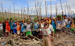 Les Indiens d'Amazonie péruvienne luttent contre l'exploitation de leurs terres par les compagnies minières et gazières. ©David Dudenhoefer
