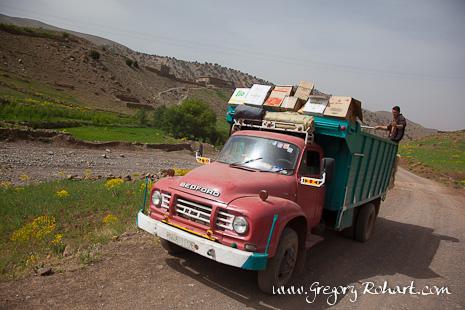 Camions colporteurs dans les Aït Bougmez