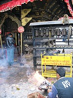 Swayambhunath - Hariti offrande