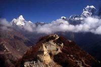 Vue depuis le Mong La sur l'Ama Dablam et le Kangtega