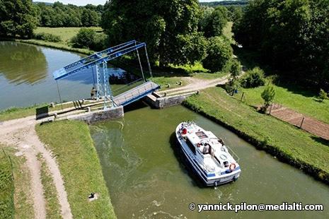Pont levis de Dirol © Yannick Pilon