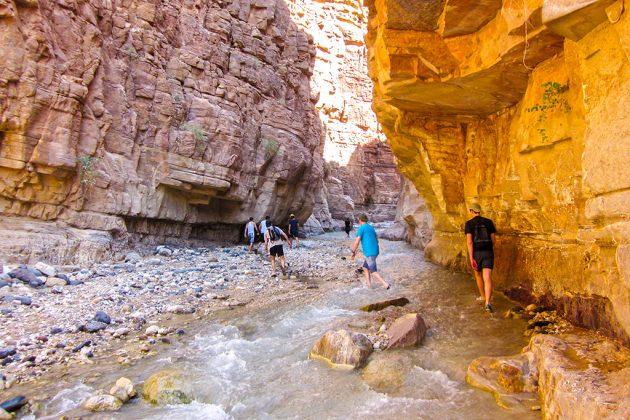 Aqua-trekking dans les Wadis