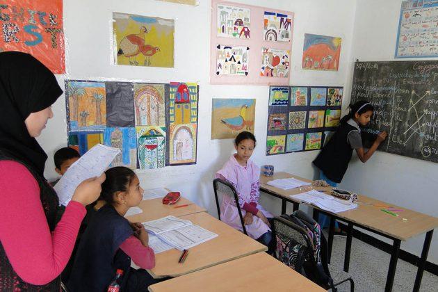 L'association Amal, solidement épaulée grâce aux « Défis du chott », assure un soutien scolaire aux enfants de Tozeur nés hors mariage.