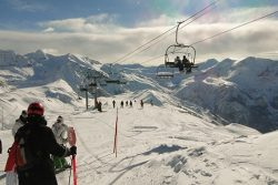 Orcières 1850 : ski et neige au soleil
