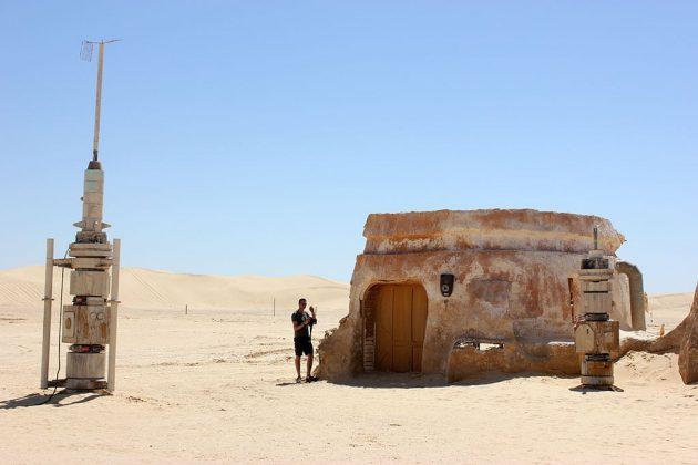 Le village de Mos Espa, que tous les fans de la saga « Stars Wars » connaissent bien, a failli disparaître sous les dunes.