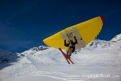Nouvelle glisse en Valais : woopy jump, speed riding et snowkite