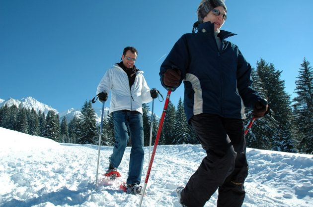 Envie de changer d'activités ? Essayez la raquette à neige...