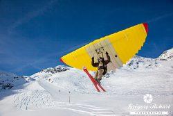 Nouvelle glisse en Valais : woopy jump, speed-riding et snowkite