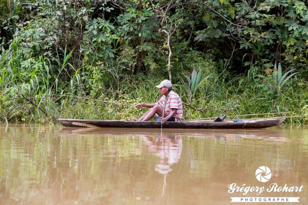 Pêcheur de la communauté Ticuna de San Martin