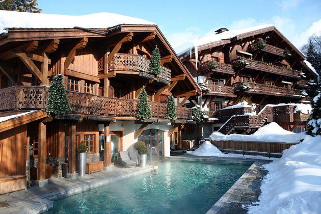 L'hôtel « Chalet du Mont d'Arbois » fait partie d'un domaine « exceptionnel comprenant notamment un golf 18 trous.