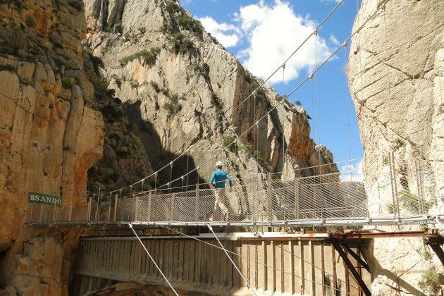Le pont suspendu, à 105 m au-dessus du sol, est particulièrement impressionnant.