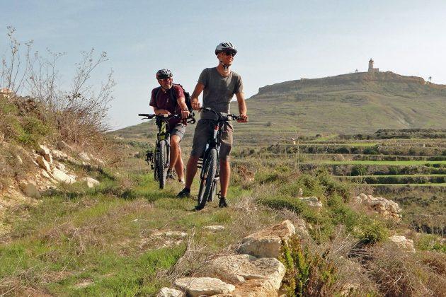 Gozo se prête bien à de superbes randonnées que ce soit à pied ou à vélo.