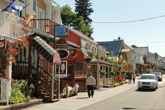 Le joli bourg de Baie-Saint-Paul, village des peintres depuis le début du siècle dernier.