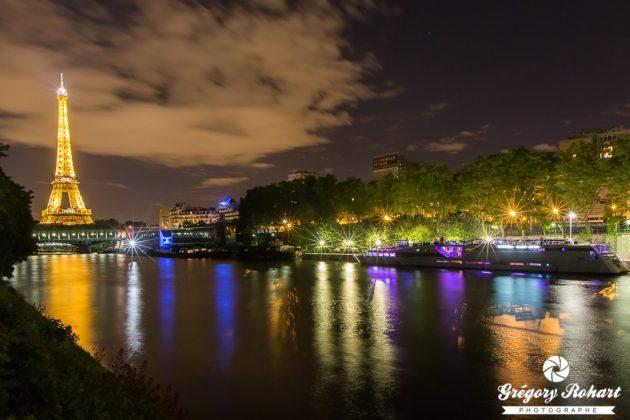 Le VIP Paris est accosté à proximité de la tour Eiffel pour une nuit inoubliable