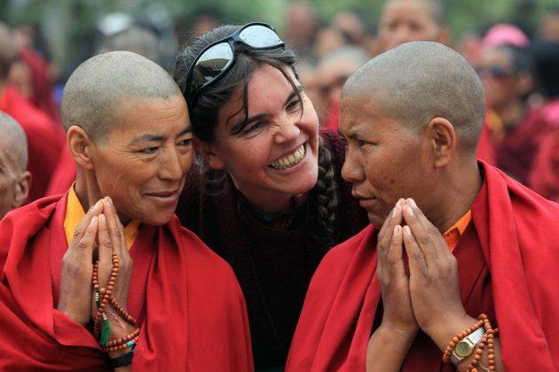 Des villageois et des moines viennent assister aux enseignements que donne le Dalaï Lama, à Potang au Zanskar, à 3500 mètres dans l'Himalaya en Inde.