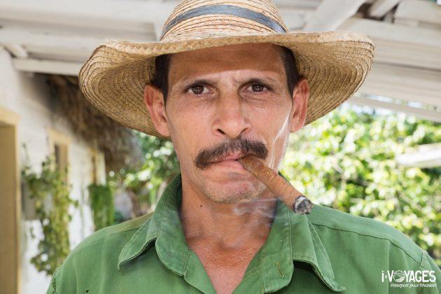 Cigare au bec