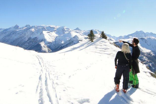 Le ski de randonnée, ici au départ de la station d'Auris, peut se pratiquer à tous les niveaux.