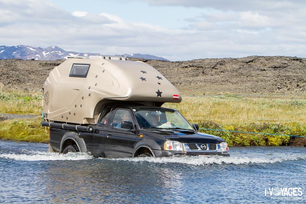 Islande : traversée d'un gué en 4x4