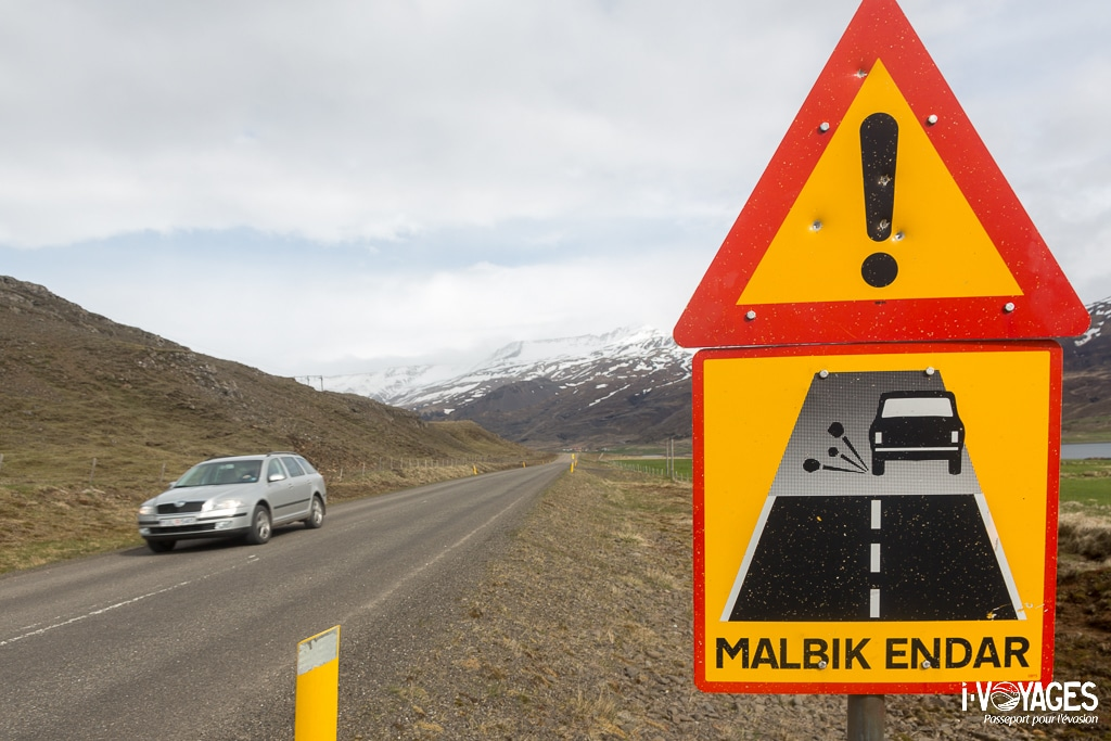 Panneau Islande : malbik endar