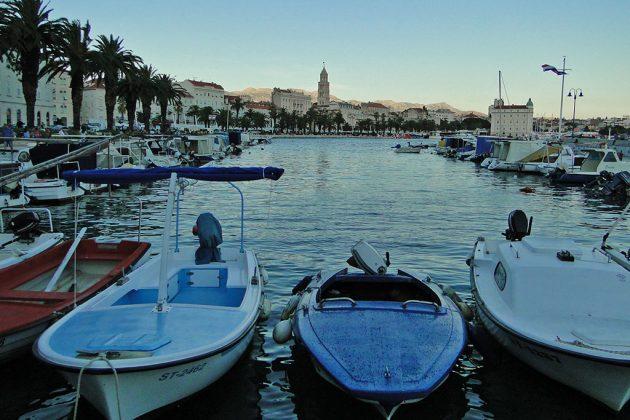 Split offre de magnifiques témoignages de son riche passé. Le palais de l'empereur romain Dioclétien est inscrit au patrimoine mondial de l'Unesco.