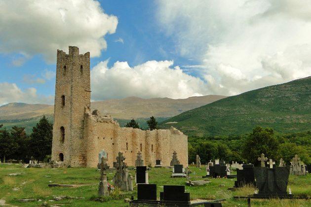 L'église romane du Saint-Sauveur, l'une des plus anciennes du pays.