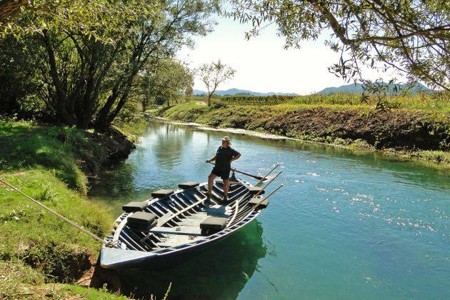 Promenade en barque sur la rivière Matica.