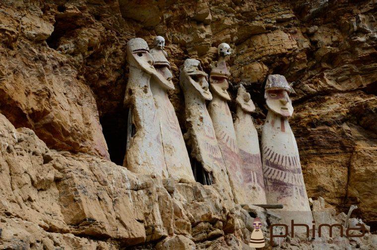 Sarcophages de Karajia