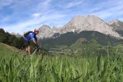 Pyrénées : VTT et parapente dans le Béarn