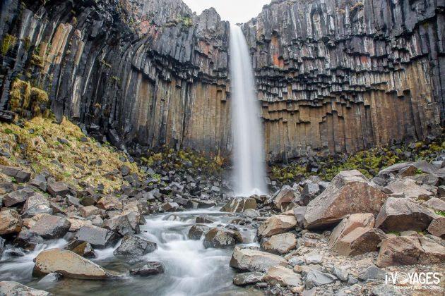 cascade de Svarifoss