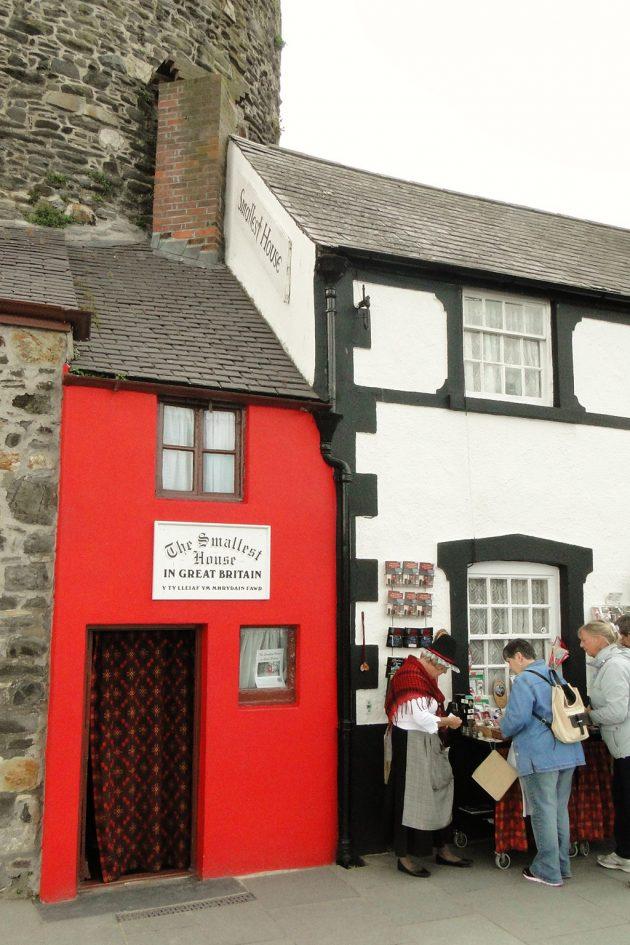 la plus petite maison de Grande-Bretagne se trouve à Conwy