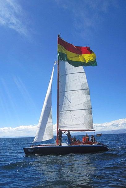1-catamaran-lac-titicaca