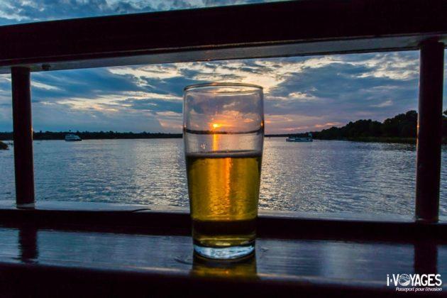 Croisière au coucher de soleil sur le fleuve Zambèze
