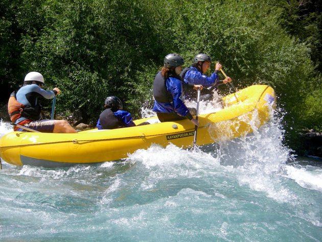 2-descente-en-rafting-a-pucon-dans-la-regions-des-lacs-et-des-volcans2