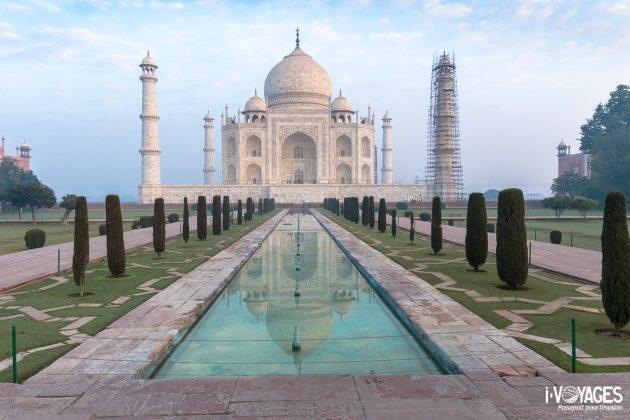Le Taj Mahal au lever du soleil photographié avec le Fujifilm X-T2 et l'objectif XF 10-24 mm f/4 R OIS. F13, Iso 640, 1/60 s, 16,6 mm