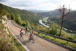 Outdoor au pays des vignobles et des lacs et Petite Montagne dans le Jura