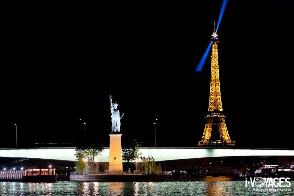 dîner croisière sur la Seine, la tour Eiffel et la statue de la Liberté