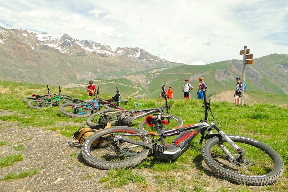 L'Alpe d'Huez et l'Oisans sur un VTT électrique