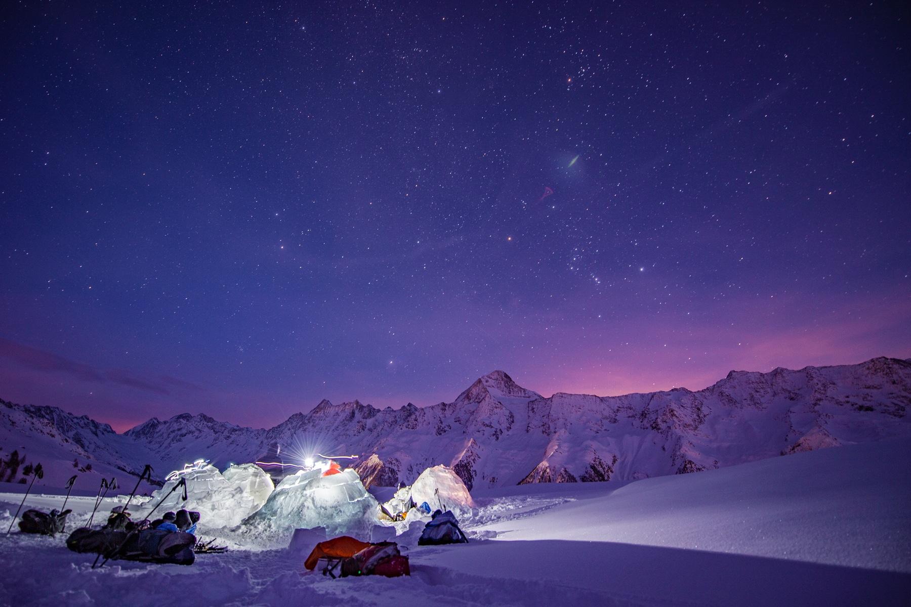Dormir dans un igloo dans le Valais
