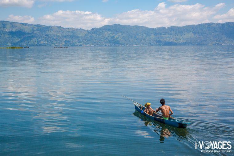Pêcheur, lac Toba