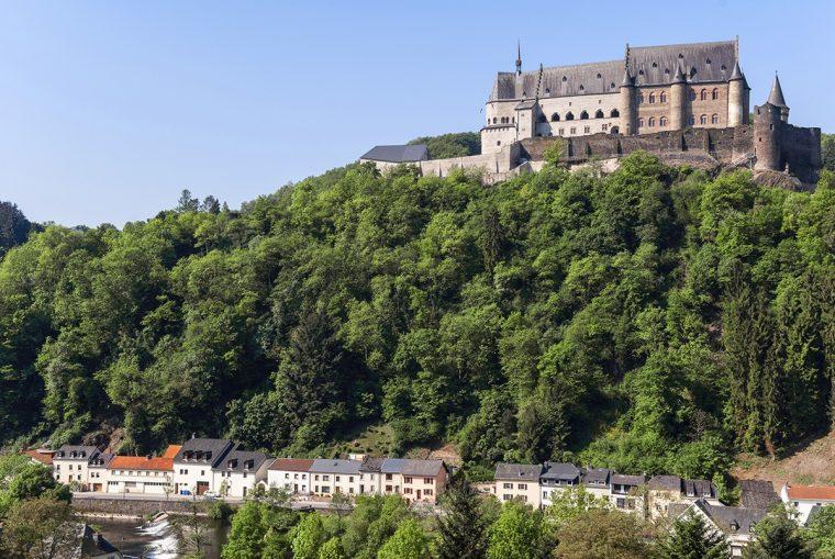 Château de Vianden qui domine la vallée. Photo : Gil Giuglio