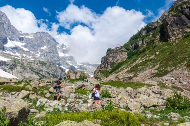 Randonnée dans le parc national des Ecrins vers le refuge des Bans