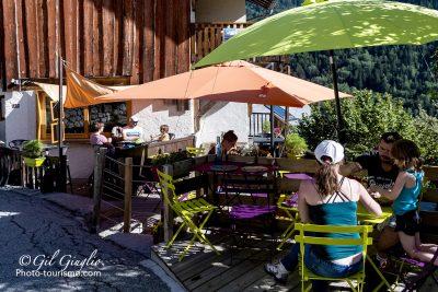 Terrasse de café à Venosc