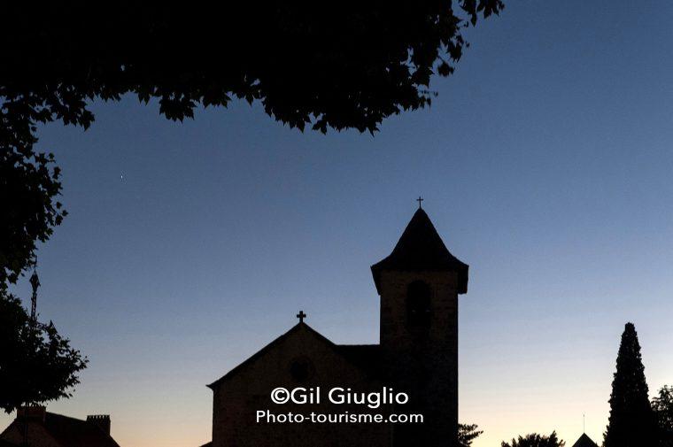 Vue nocturne sur clocher de Capdenac-le-Haut