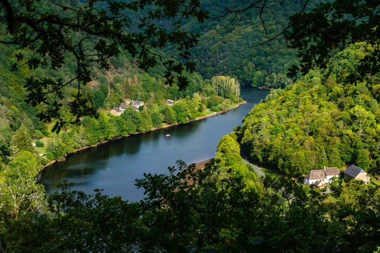 Panorama sur la Dordogne depuis la cabane dans les arbres